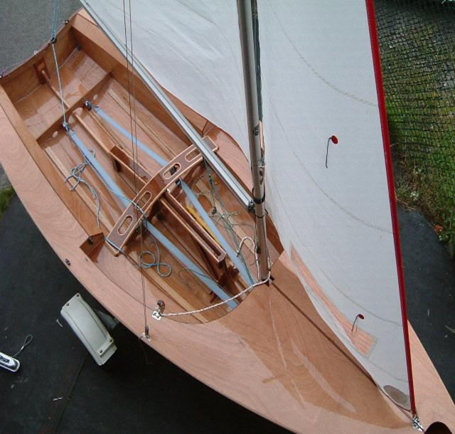 Miracle sailing dinghy plans roters for Mirror yacht